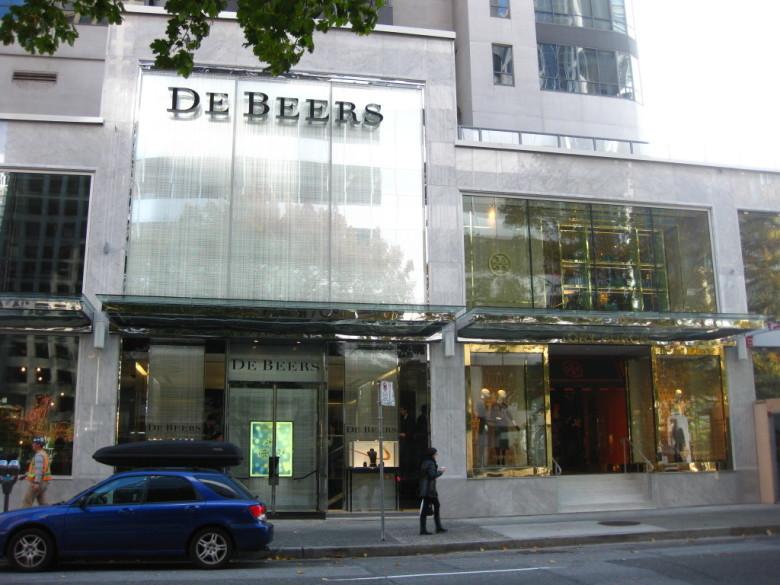 De-Beers-Vancouver-store1