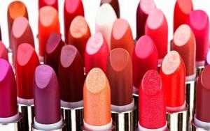636031229994457049-1287133605_national-lipstick-day-ftr1